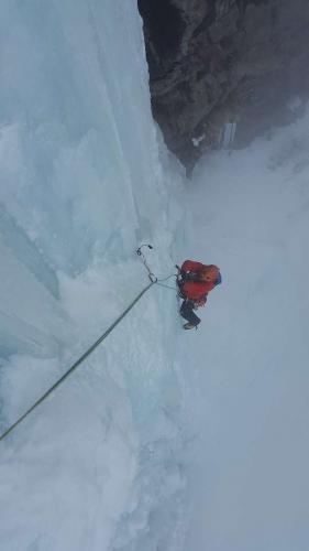 ice-climbing-3175713_1920_540x960